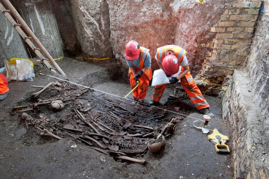 Human burials affect the environment for millennia